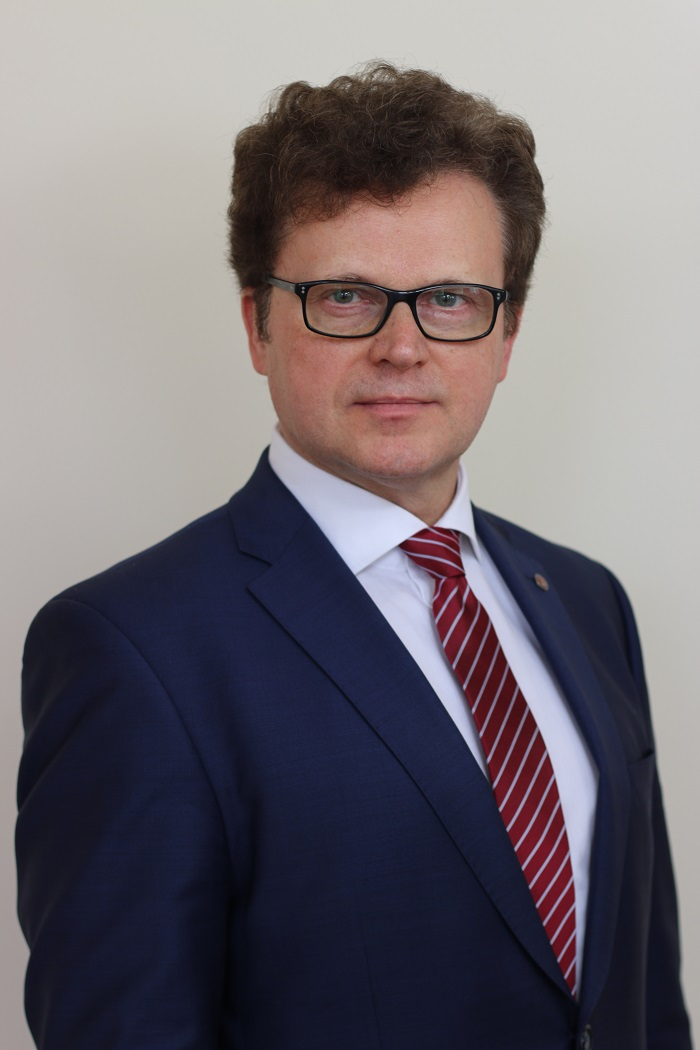 Profesorius dr. (HP) Rimantas Stukas - Vilniaus universiteto Medicinos fakulteto Sveikatos mokslų instituto Visuomenės sveikatos katedros vedėjas